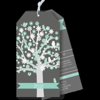 Geboortekaartje als label met boom en vogeltjes mint en grijs