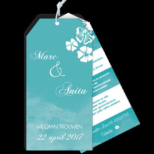 Trouwkaart als label met tropische bloemen en aqua kleur