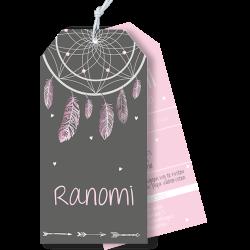 Geboortekaartje als label met droomvanger en veertjes roze