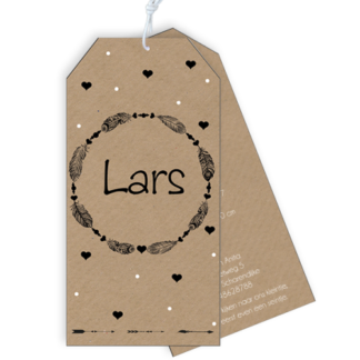 Label geboortekaartje in boho stiijl met zwart wit veertjes frame