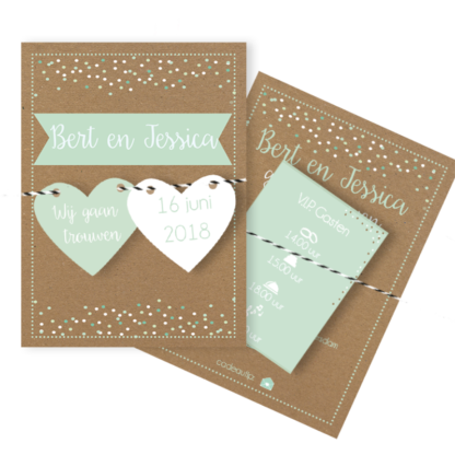 Trouwkaart met losse labels in mint, wit en kraft