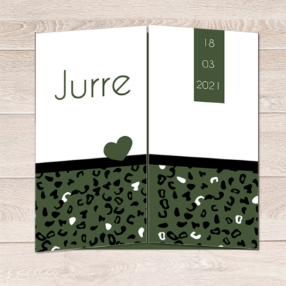Geboortekaartje drieluik donker groen luipaardprint
