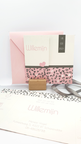 Geboortekaartje drieluik roze en grijs luipaardprint