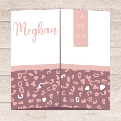 Drieluik geboortekaartje met luipaardprintje in roze en aubergine