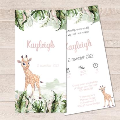 Geboortekaartje met junglebladeren en giraf
